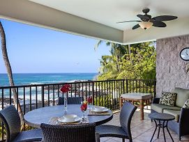Beautiful Oceanfront Condo Steps From Beach Complete Remodel photos Exterior