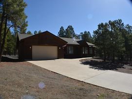 Beautiful New Home, Sleeps 9,3 Bedroom 3 Bath photos Exterior