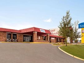 Travelodge By Wyndham Swift Current photos Exterior