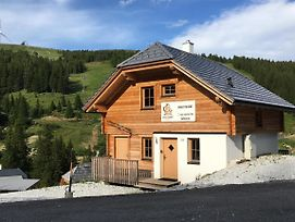 Vesely Svist Chalet Lachtal photos Exterior