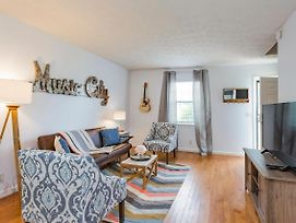 Take A Jog In Nearby Shelby Park At A Bright, Cozy Home photos Exterior