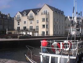 1 Quayside Court - 3 Bedroomed Ground Floor Apartment With Sea Views photos Exterior
