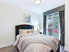 Deluxe12 - Niagara- 2 Bed 2 Bath Luxury Suite photos Exterior