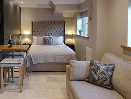The White House Studio photos Exterior