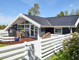 Awesome Home In Juelsminde W/ Sauna, Wifi And 3 Bedrooms photos Exterior