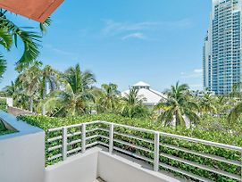 South Beach One Bedroom Partial Ocean View Condotel W/Balcony photos Room