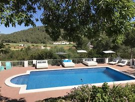 Charming Holiday House Within Walking Distance Of Cala Llonga Beach And Village photos Room
