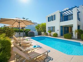 Villa In Latchi Sleeps 6 With Pool Air Con And Wifi photos Exterior