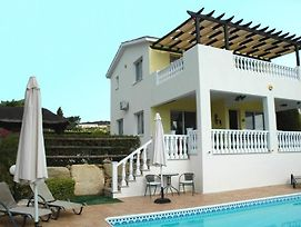 Pegeia Villa Sleeps 6 With Pool And Air Con photos Exterior