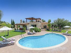Villa In Latchi Sleeps 6 Includes Swimming Pool Air Con And Wifi 9 photos Exterior