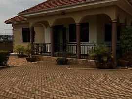 Fully Furnished, Private, Cozy And Decent Home In Kampala Uganda photos Exterior