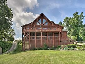 Lakefront Cabin With Dock, 6 Mi To Swiss Valley photos Exterior