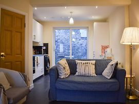 Nicely Renovated 2 Bedroom House Near O'Connell Street photos Exterior