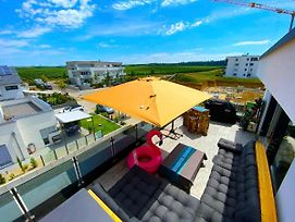 Luxury Penthouse Appartment Mit Riesen Dachterrasse 24H Check-In - A45427 photos Exterior