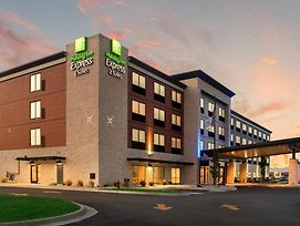 Holiday Inn Express & Suites Racine photos Exterior
