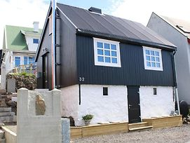 Two Bedroom Vacation Home in the Center of Tórshavn photos Exterior
