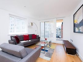 Stylish 2Br Apartment With Balcony In Whitechapel! photos Exterior
