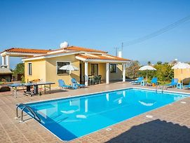 Pegeia Villa Sleeps 6 With Pool Air Con And Wifi photos Exterior