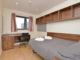 Amazing Private Room With Ensuite & Shared Kitchen -Middle Of Exeter! photos Exterior
