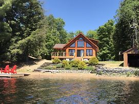 Beachfront Log Home In Algonquin Highlands - Ideal For Nature Lovers And Families photos Exterior