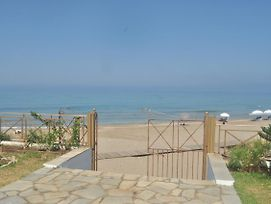 Beachfront Studio Apartments In Agios Gordios Beach photos Exterior
