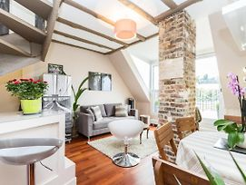 Gorgeous And Charming Apt With Terrace photos Exterior
