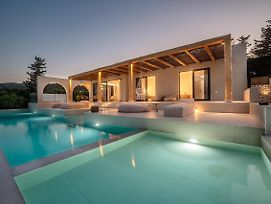 Uranos Di Gioia Villa With Magnificent Sea View And Infinity Pool 18X4M photos Exterior