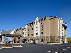 Microtel Inn & Suites By Wyndham New Martinsville photos Exterior