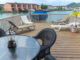 Waterfront Hillside Villa, Private Deck, Sleeps 6 photos Exterior