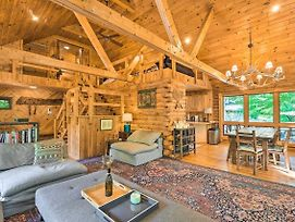 Upscale Warrensburg Cabin With Private Hot Tub! photos Exterior