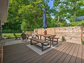 Fully Renovated Home With Fire Pit Walk To Beach photos Exterior