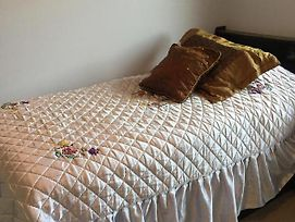 Backpacker College Near University Of Waterloo - Private Double Room W Two Beds photos Exterior
