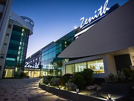 Golden Tulip Mamaia photos Exterior