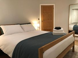 Remarkable 1-Bed Annexe In Worthing - Sleeps 2-4 photos Exterior
