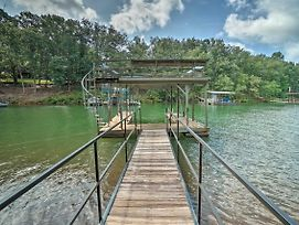 Lovely Lakefront Home With Deck, Kayak Available photos Exterior
