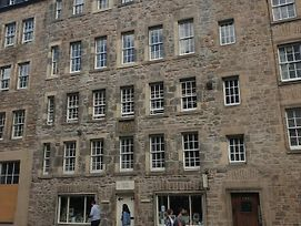 Spacious And Historic 2 Bed Flat On Royal Mile photos Exterior