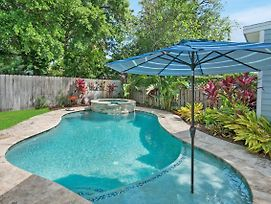 Charming Cottage W Pool, Walkable To Downtown photos Exterior