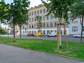 Compact Apartment In Wien Near Belvedere Palace photos Exterior