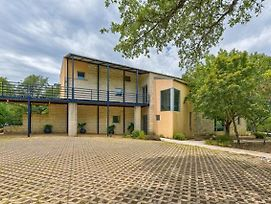 New!!! Stunning Secluded Lake House Nestled Among Trees And Perched On The Edge Of Lake Travis photos Exterior