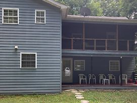 Enjoy This Home Away From Home Just Relax In This Charming Farm House Thank You photos Exterior