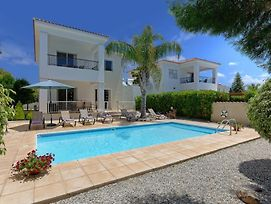 Villa In Pegeia Sleeps 7 With Pool Air Con And Wifi photos Exterior