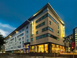 Holiday Inn Express Leeds City Centre Armouries photos Exterior