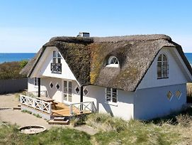 Six Bedroom Holiday Home In Hirtshals photos Room