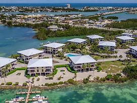 Cozy Castaway 2Bed Townhouse Condo With Open Water Views And Shared Pool Plus Dockage photos Exterior