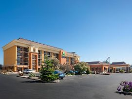 Holiday Inn Express At Monterey Bay photos Exterior