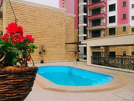 Tastefully Furnished 3 Bedroom Apartment photos Exterior