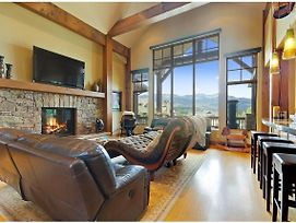 Amazing 5 Bdr Mansion - Private Theater & Views! photos Exterior