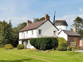Beautiful 1-Bed Farmhouse Cottage In Chester photos Exterior