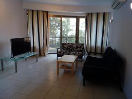 Beautiful 3-Bed Apartment In Strovolos photos Exterior
