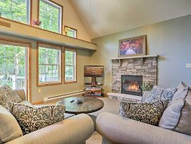 Pocono Mtns House With Private Hot Tub And Amenities! photos Exterior